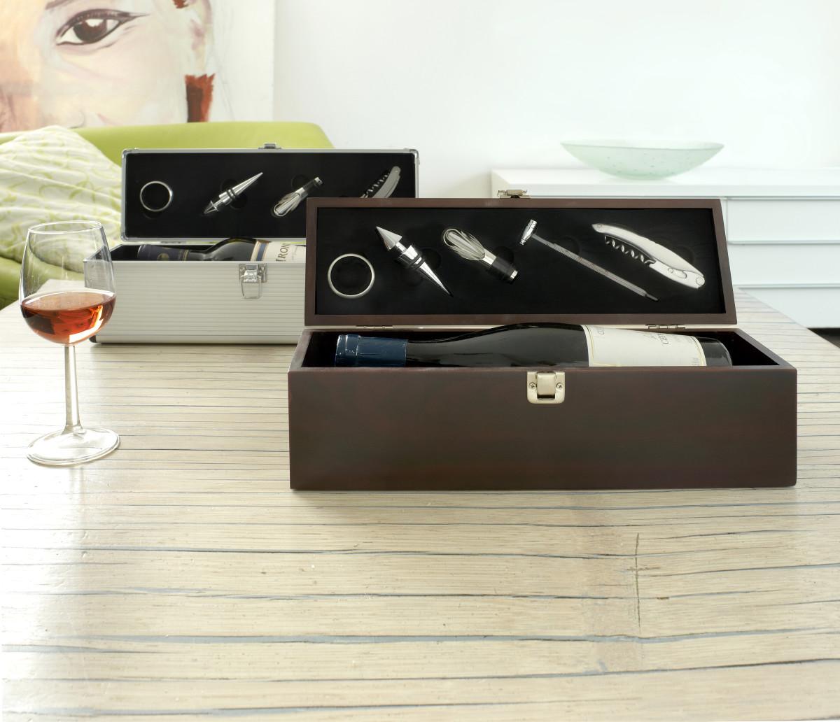 weinkiste aus aluminium mit logo bedruckt vh werbeartikel. Black Bedroom Furniture Sets. Home Design Ideas